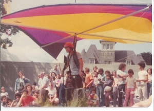 Robert Doornick introduces hang gliding in the late '70s early '80s
