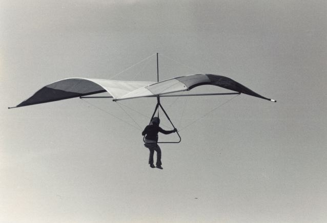 how a hang gliding wing's design creates lift « ira's abs